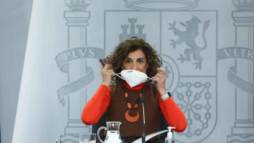María Jesús Montero, ministra de Hacienda, con una mascarilla FPP2.