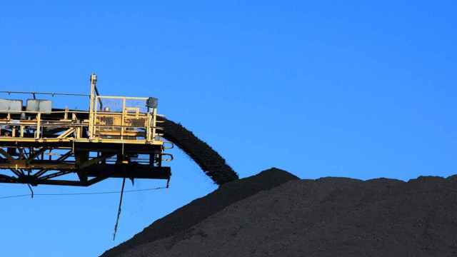 La CNMC multa con 3,5 millones a 6 empresas por alterar el mercado de combustibles sólidos