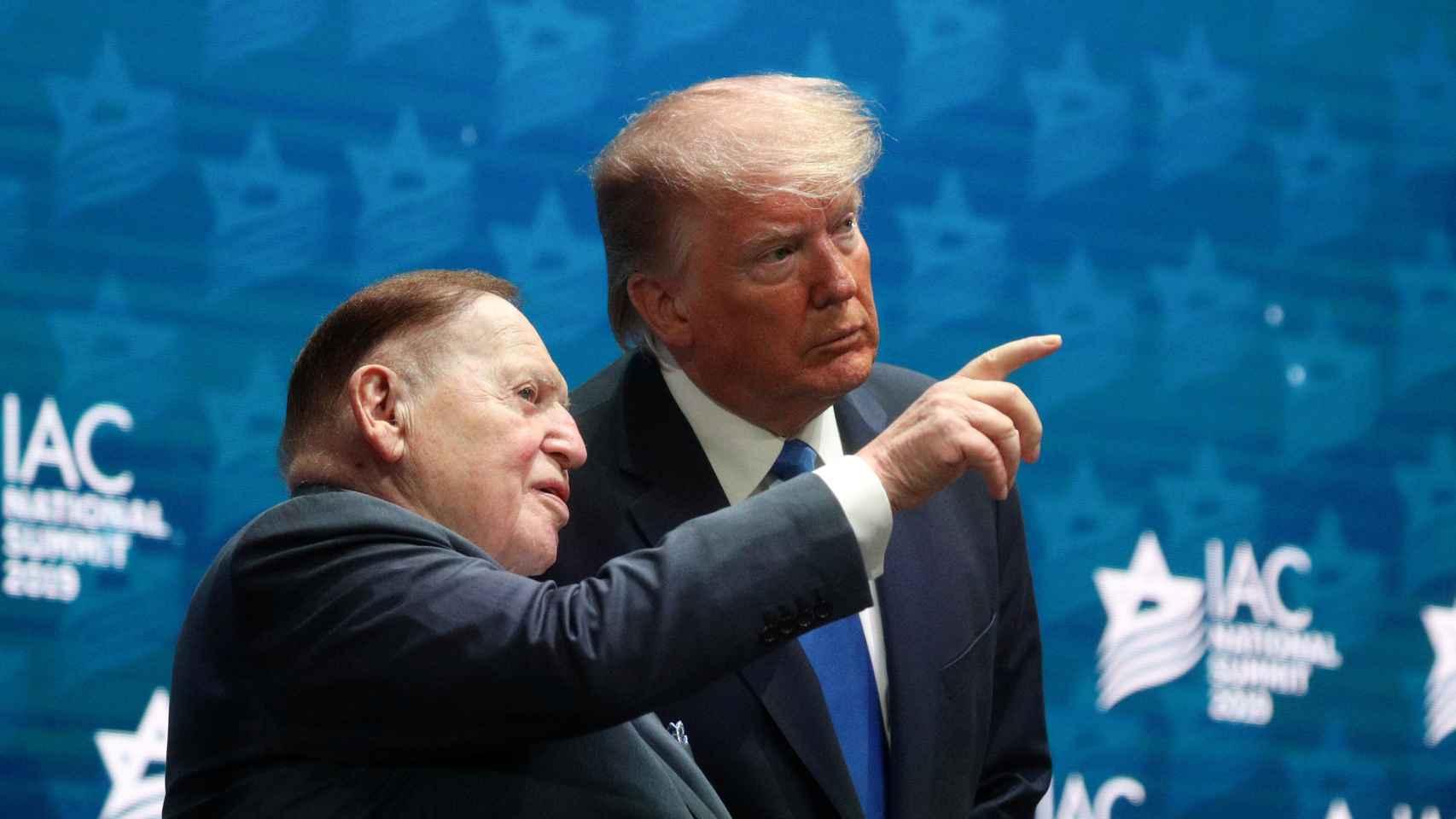 Sheldon Adelson junto a Donald Trump.