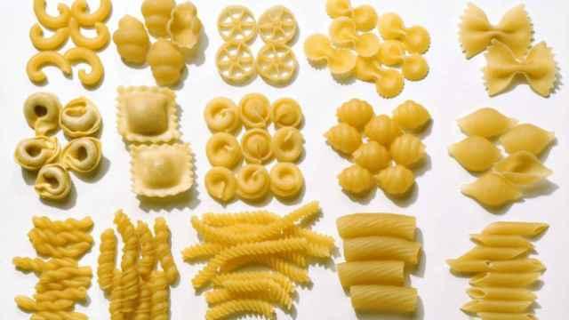Bodegón con diversos tipos de pasta.