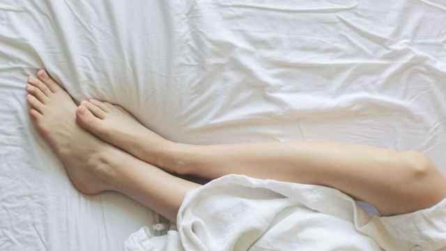 Luce unos pies suaves, sin durezas, aplicando este suero que actúa en tiempo récord