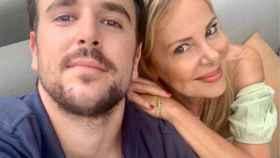 Ana Obregón junto a su hijo Álex en una imagen de sus redes sociales.