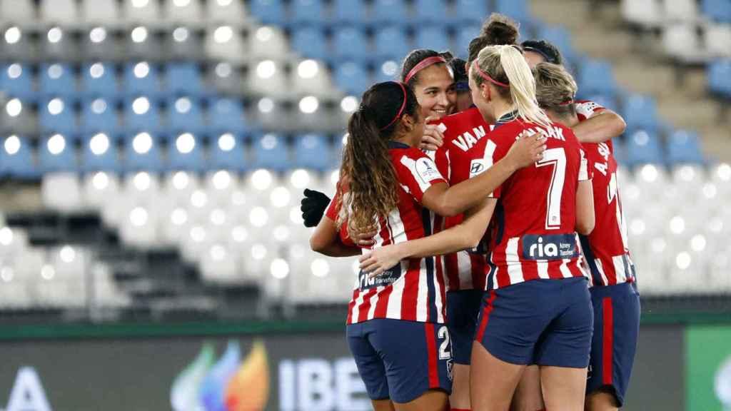 Las jugadoras del Atlético de Madrid celebran la victoria ante el Barcelona femenino en la Supercopa de España