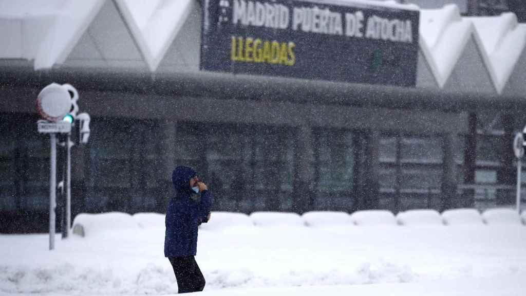 Vista de la estación de Atocha en plena nevada.
