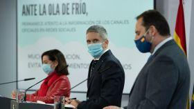 Fernando Grande-Marlaska, ministro del Interior, entre Margarita Robles (Defensa) y José Luis Ábalos (Transportes).