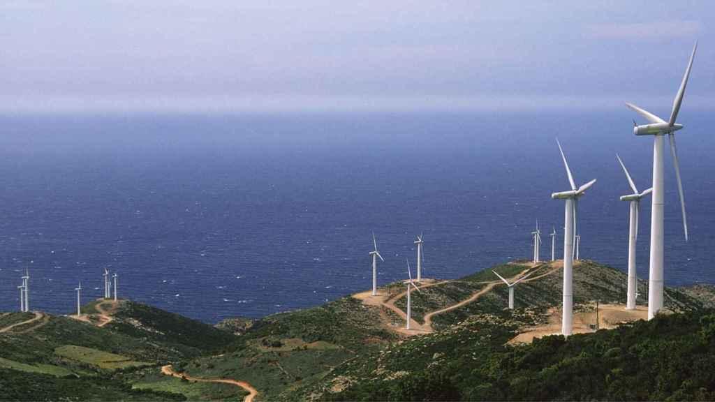 Las fuertes rachas de viento han elevado la producción de energía eólica, lo que ha permitido abaratar el precio final.