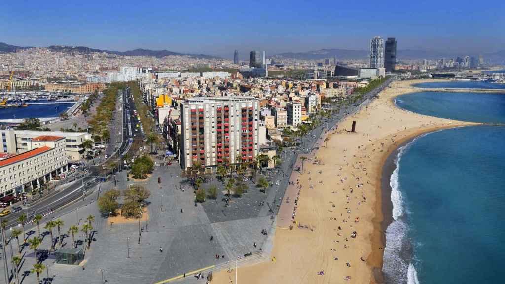 La Barceloneta, harta de estar sin luz por un fallo en las redes eléctricas de Endesa
