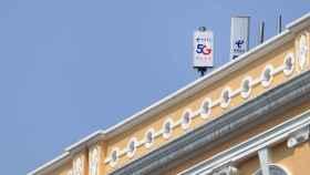Antenas de 5G desplegadas en un edificio. Foto: Macau Photo Agency- Unsplash