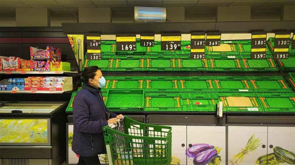 Supermercado sin frutas ni verduras.