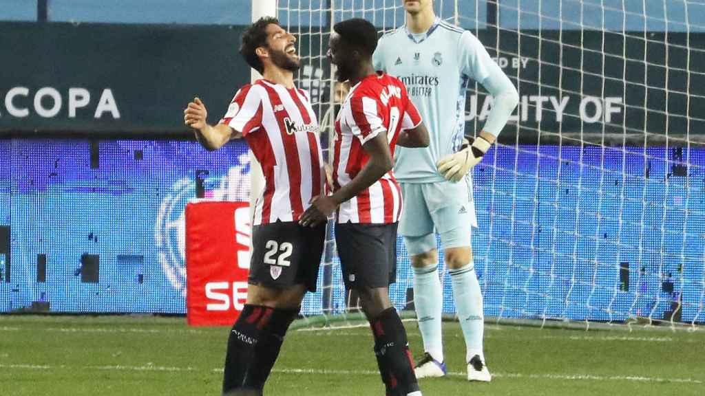 Raúl García celebra su gol al Real Madrid