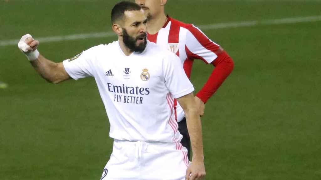 Karim Benzema celebra su gol al Athletic Club