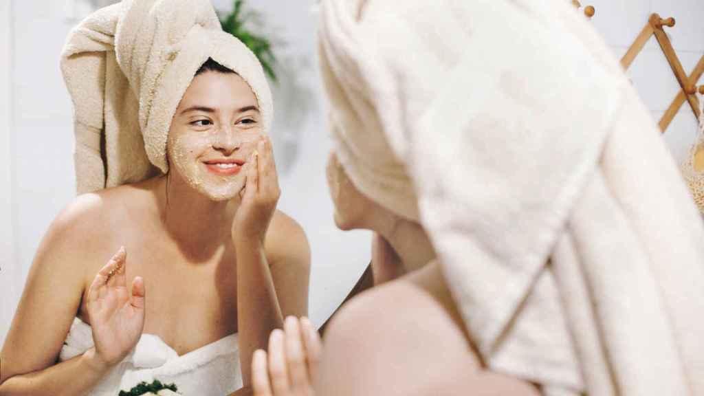 'Skinimalismo': así es la nueva tendencia de cuidado facial que apuesta por el brillo.