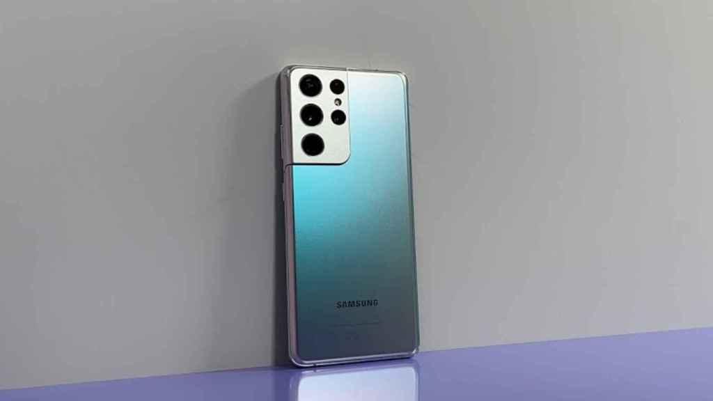 El Samsung Galaxy S21 Ultra, el mayor de los tres.