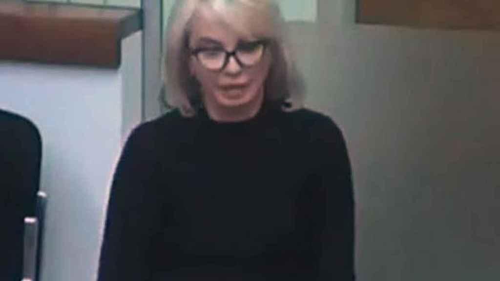 Corinna Larsen, durante la videconferencia desde Londres./
