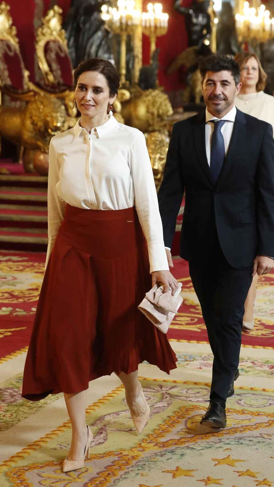 Isabel Díaz Ayuso y Jairo Alonso en el Palacio Real durante el Día de la Hispanidad en octubre de 2019.