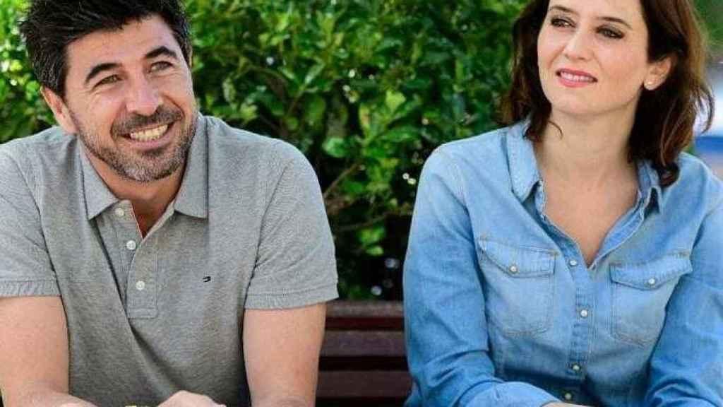 Jairo Alonso e Isabel Díaz Ayuso.