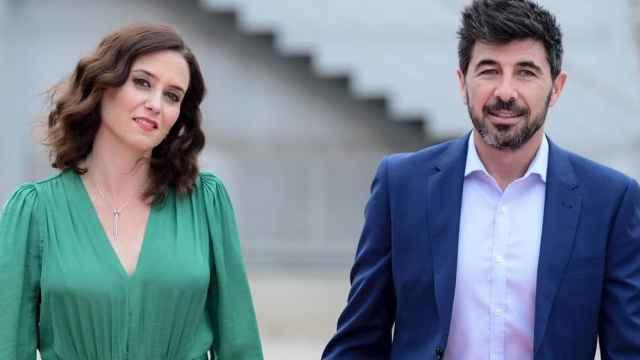 Isabel Díaz Ayuso y Jairo Alonso días antes de las elecciones autonómicas de mayo de 2019.