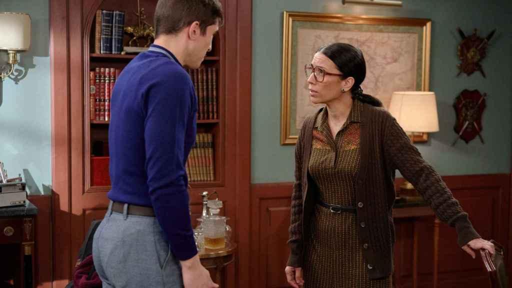 Manolita se enfrentará a Carlos para descubrir cómo murió su hija.