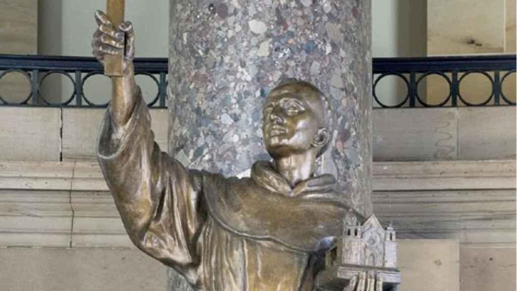 Estatua de Fray Junípero Serra.