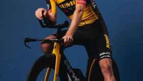 Tom Dumoulin, con el maillot de Jumbo-Visma