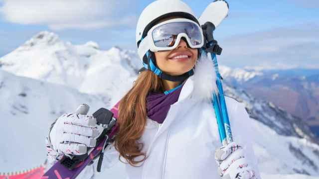 Gafas, casco, protecciones… Los complementos que necesitas para un día de esquí