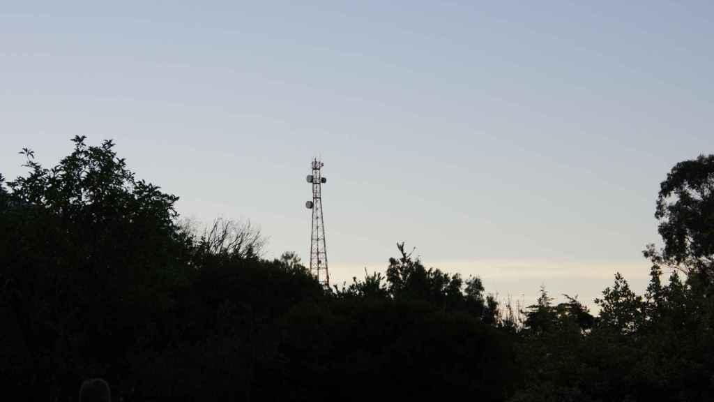 Los PGE 2021 prevén ayudas públicas por valor de 583 millones de euros para garantizar una conectividad digital de calidad para el 100% de la población, y otros 300 millones para impulsar el despliegue del 5G. Foto: Nadir sYzYgY / Unsplash.