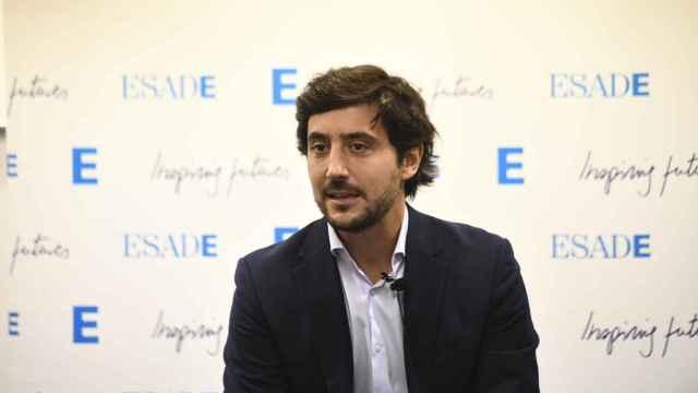 Toni Roldan (ESADE): hay que subir peajes y gasolina e impulsar el coche eléctrico