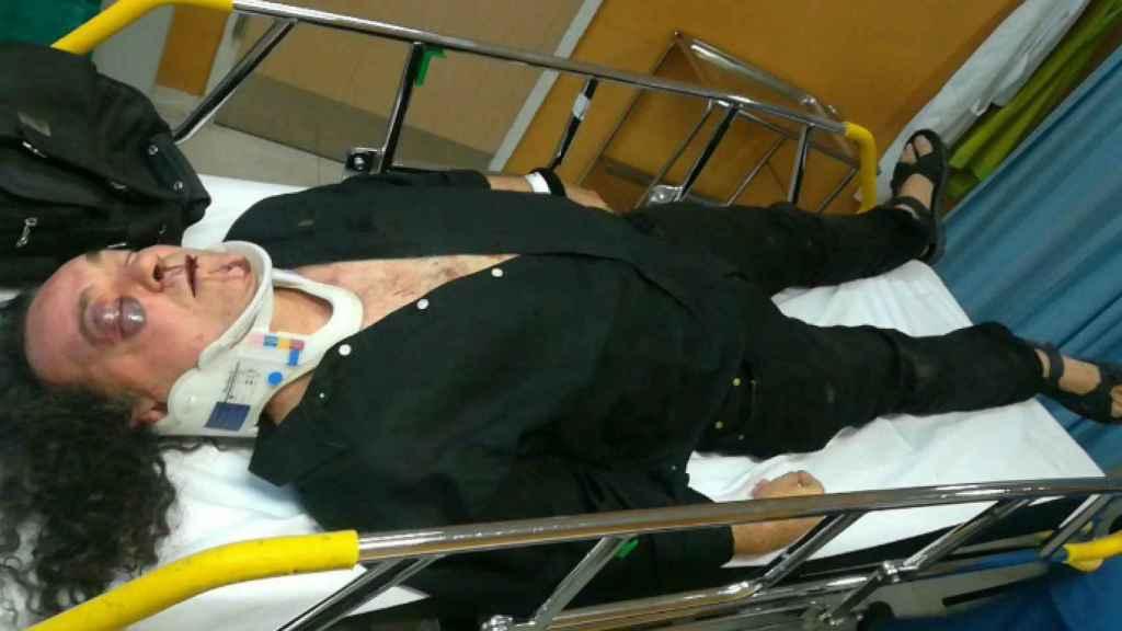 Barredo, en el hospital, tras la paliza que recibió en 2017.