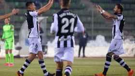 Los jugadores del Levante celebran su gol ante el Fuenlabrada