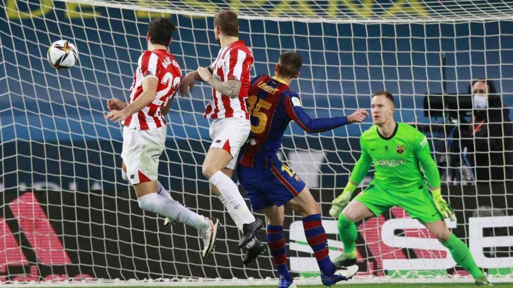 Gol anulado de Raúl García, en la final de la Supercopa de España