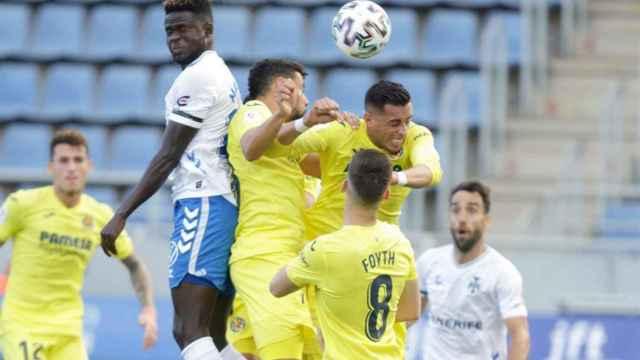 Jugadores de Tenerife y Villarreal en el partido de la Copa del Rey