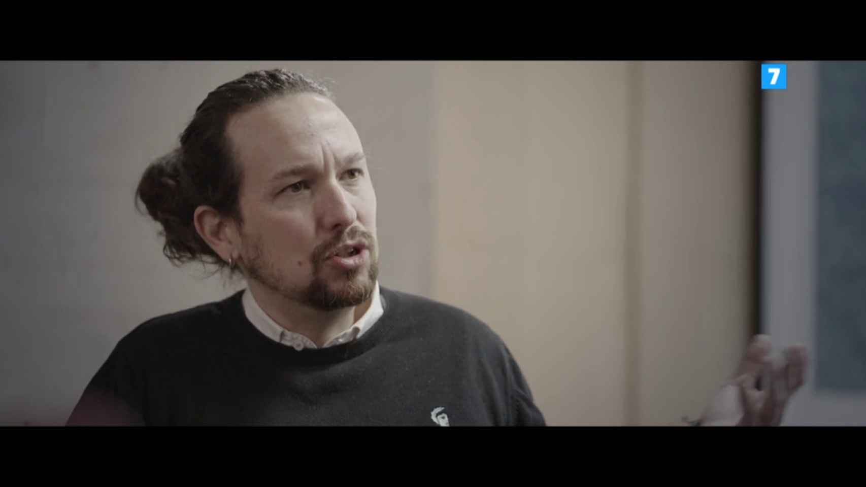 Pablo Iglesias recomienda a Carmen Calvo ver la serie 'Veneno'