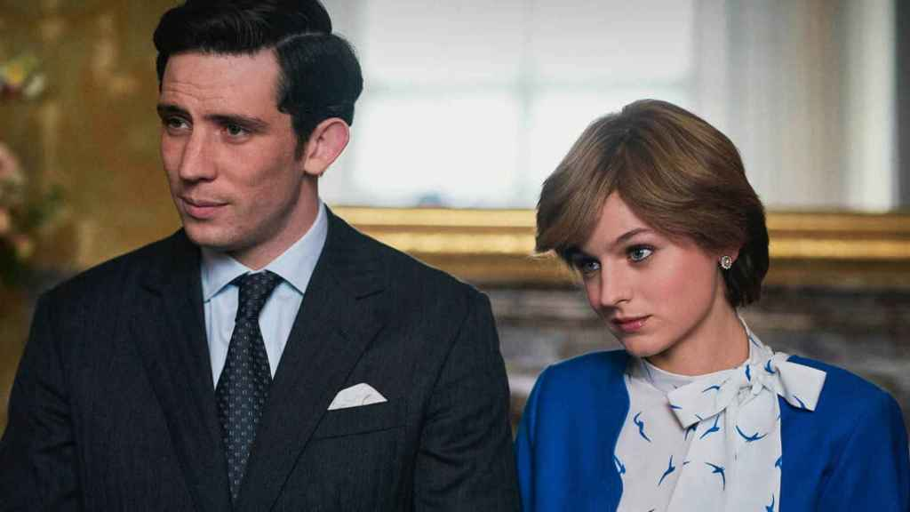 Josh O'Connor y Emma Corrin, Carlos y Diana en 'The Crown' y favoritos en los Emmy.