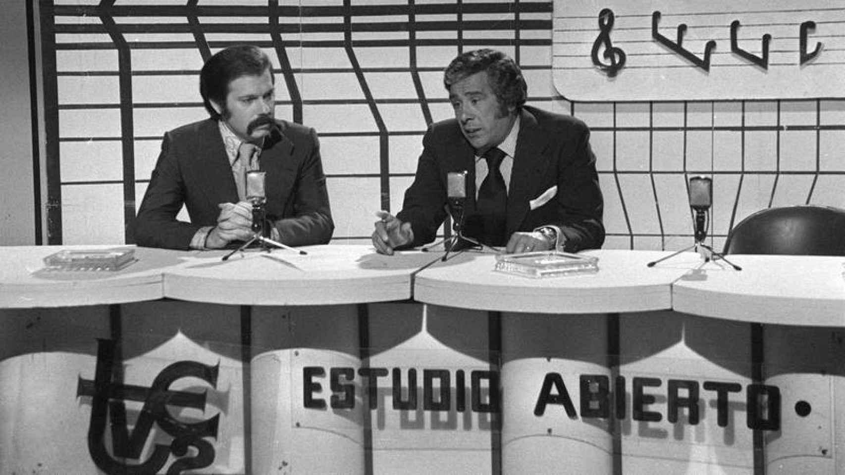 Le présentateur José María Iñigo, dans son émission 'Estudio Abierto'.'Estudio Abierto'.
