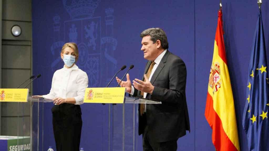 Yolanda Díaz y José Luis Escrivá, ministros de Trabajo y Seguridad Social.