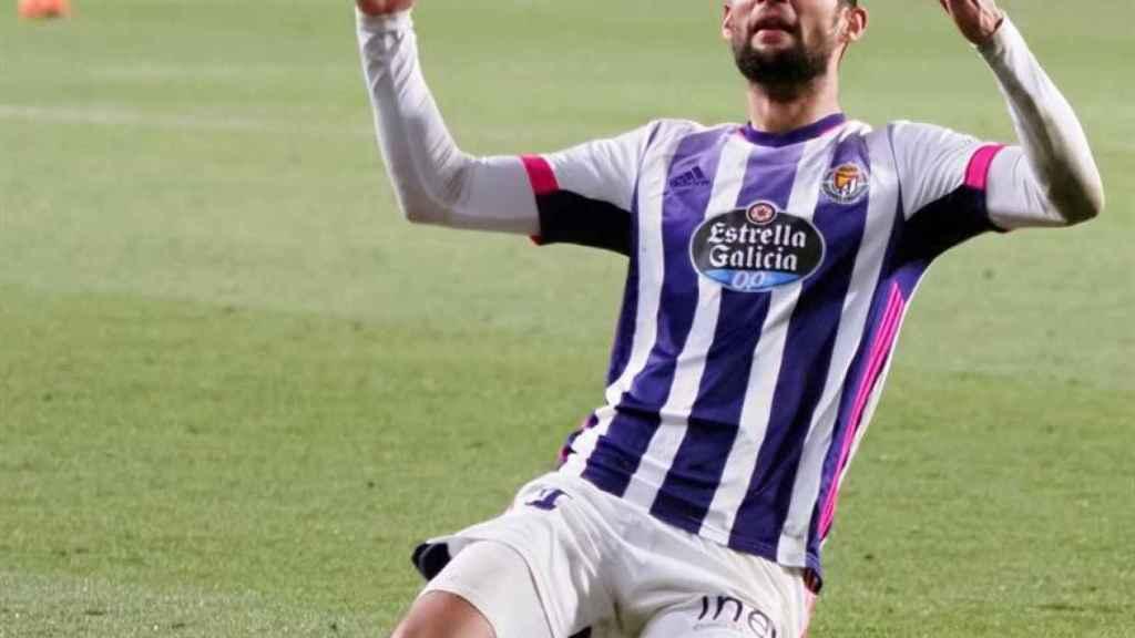 Joaquín Fernández celebra su gol con el Valladolid ante el Elche en la jornada 19 de La Liga