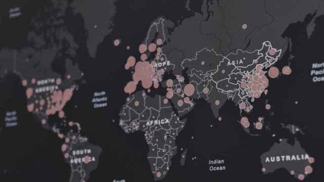 Mapa del mundo con distintas señalizaciones geográficas. Foto:  Martin Sanchez - Unsplash