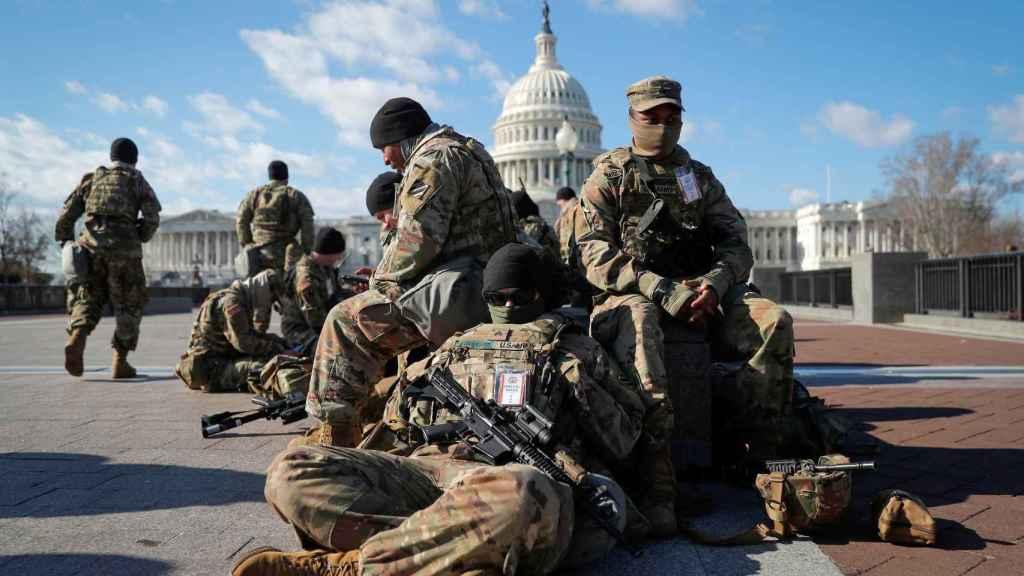 Tropas de la Guardia Nacional frente al Capitolio de EEUU en Washington.