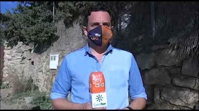 El momento de la agresión a los reporteros de Canal Sur.