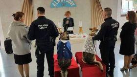 La boda de Dody y Alma, los perros de la Policía casados en Lorca hace dos años.
