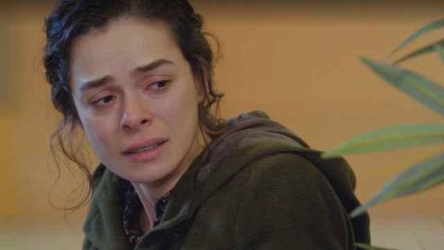 Bahar teme por la vida de sus hijos en el capítulo 44 de 'Mujer'