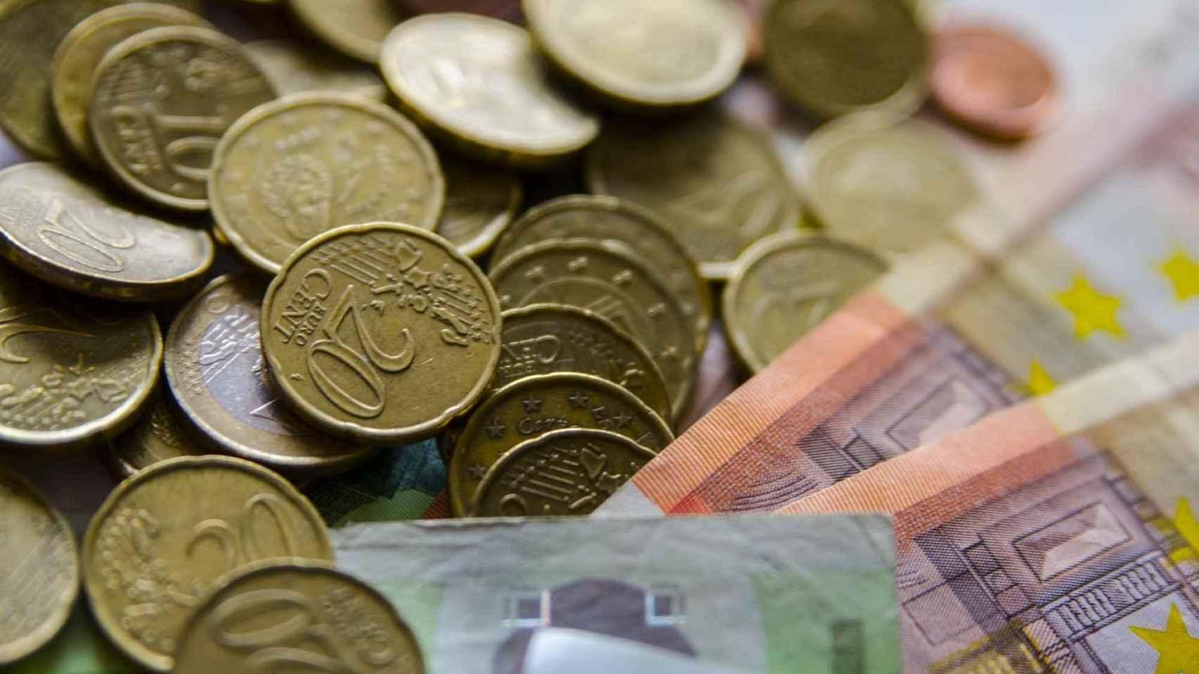 El Panel de Funcas rebaja al 6,3% el crecimiento del PIB para 2021 y eleva su previsión de déficit al 8,4%
