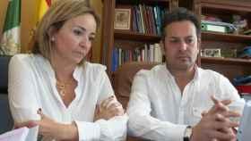 Carolina Vives, alcaldesa de Els Poblets (PSOE), y su marido Ximo Coll, primer edil de El Verger (PSOE).