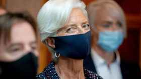 La presidenta del BCE, Christine Lagarde, con mascarilla.
