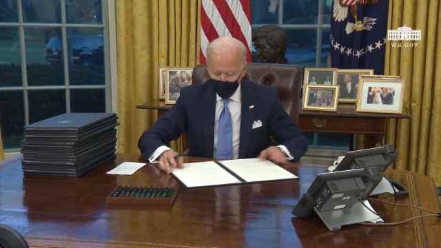 Joe Biden sus primeras órdenes ejecutivas como presidente de Estados Unidos