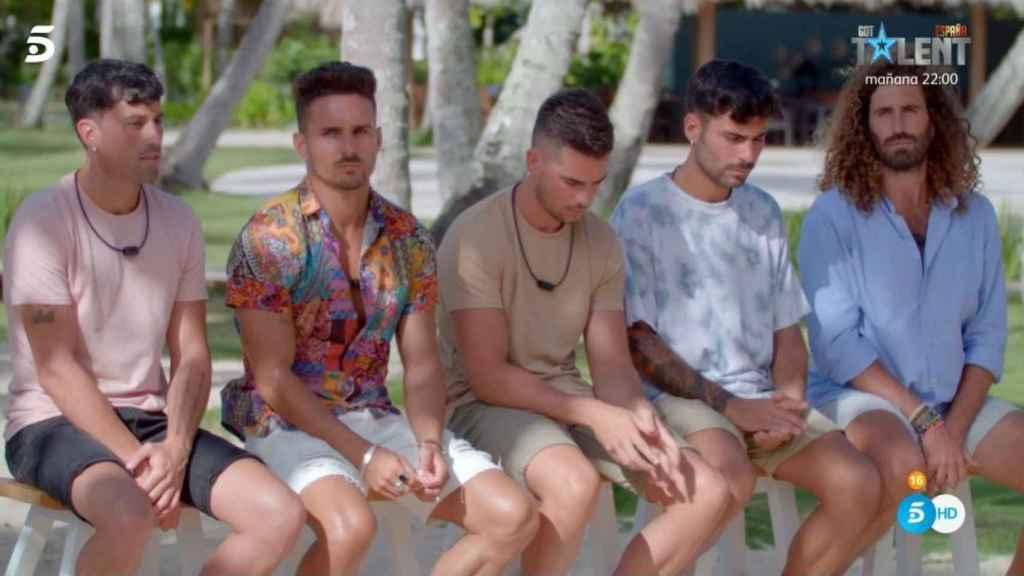 Los concursantes masculinos de 'Tentaciones 3': Raúl, Hugo, Diego, Jesús y Manuel.