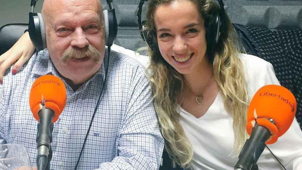 El presentador, junto a su hija Piluca, también periodista