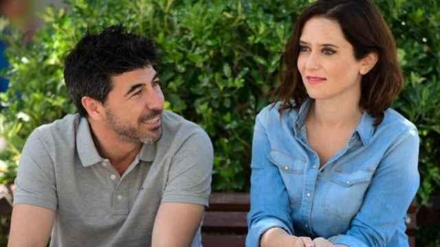 Jairo Alonso e Isabel Díaz Ayuso el día de las elecciones autonómicas en mayo de 2019.