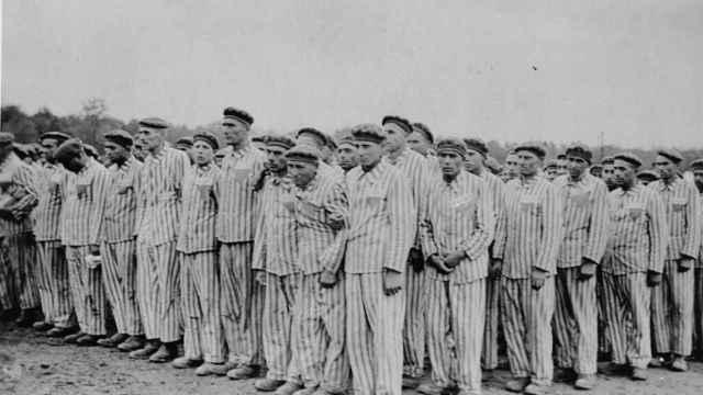 Prisioneros en el campo nazi de de Buchenwald.