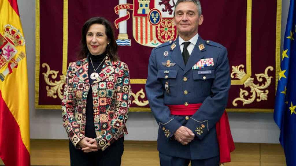 La ministra de Defensa Margarita Robles junto al JEMAD Miguel Ángel Villarroya. Efe